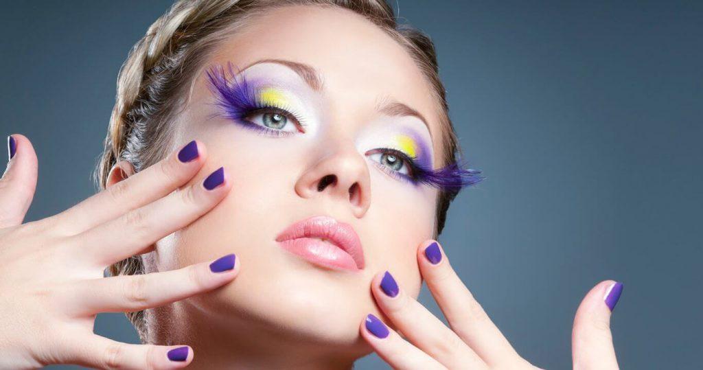Làm nails sẽ giúp đôi tay trông thon gọn và hút mắt hơn