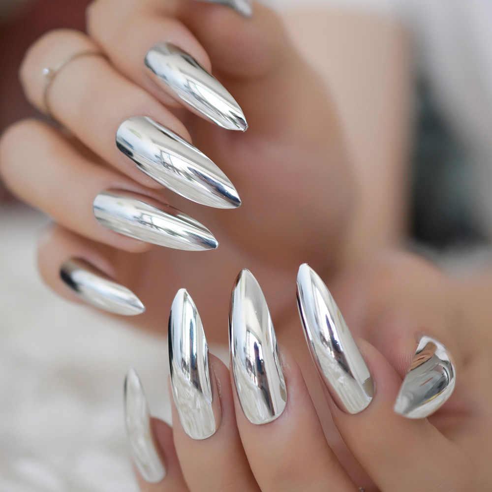 Nail cô dâu tráng gương kim loại tăng sự sắc sảo và sang trọng cho đôi tay