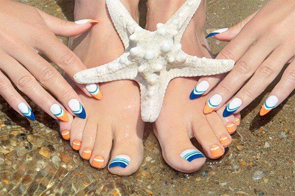 Bộ nail chân này cũng dành cho các nàng có dự định đi biển