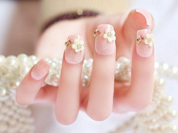 Đắp móng bằng bột là phương pháp làm đẹp móng tay được các nàng yêu thích hiện nay
