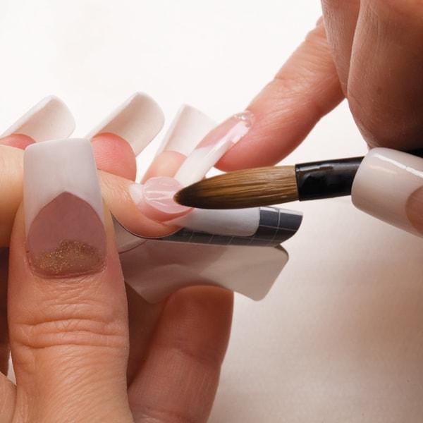Đắp móng tay là phương pháp làm đẹp được ưa chuộng nhất hiện nay