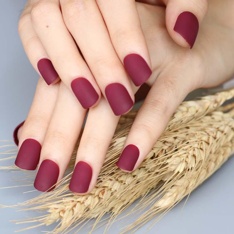 Sơn gel nhám hay còn gọi là sơn lì giúp bàn tay trông quyến rũ