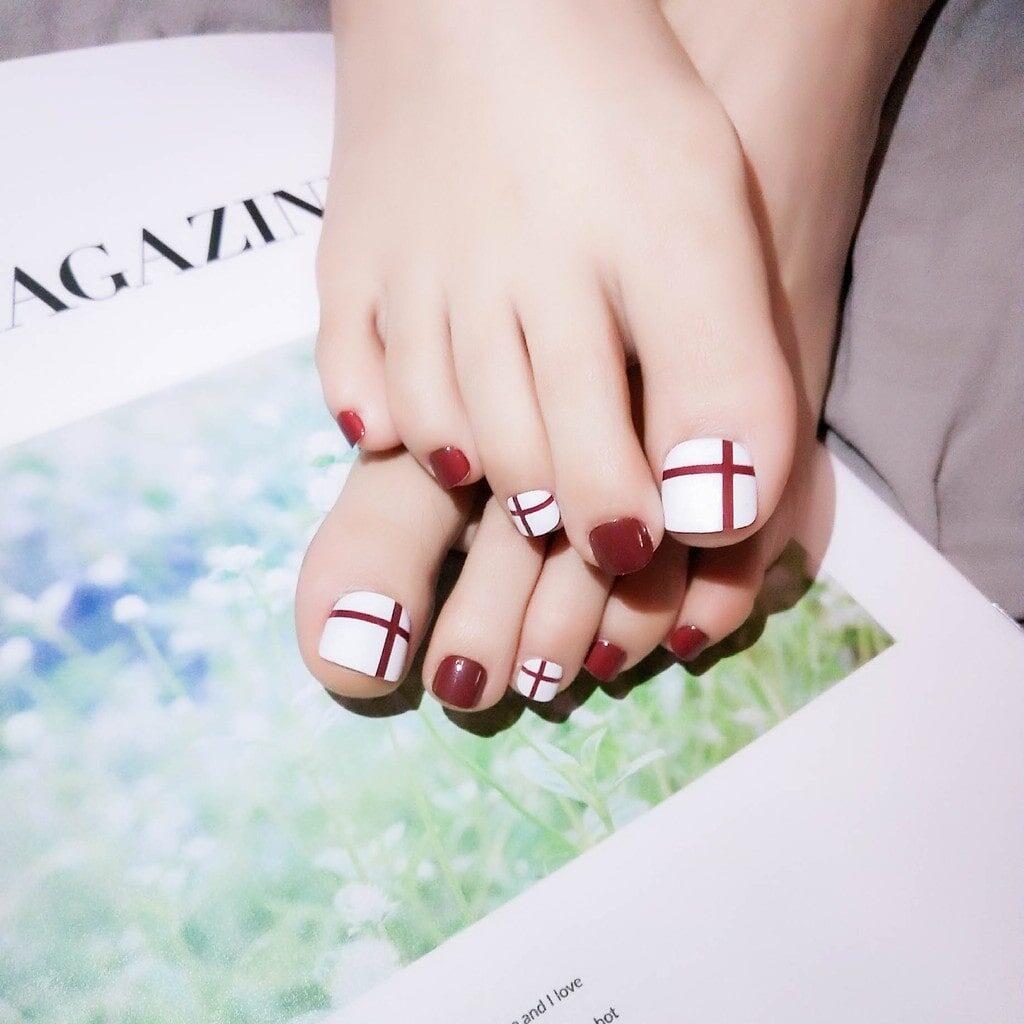Chọn đúng màu sơn, chân ngăm cũng thành trắng nõn nà