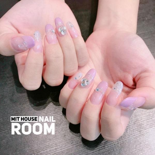 Cơ sở làm nail mang phong cách Hàn Quốc