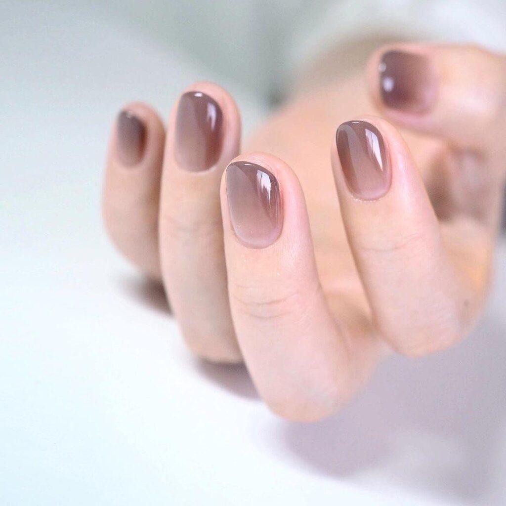 Sơn thạch ombre cho bàn tay trong veo và mềm mại