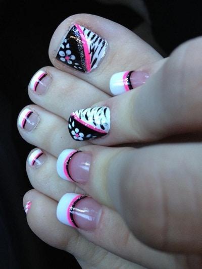 Nail chân thiết kế xinh với hoa và nhũ lấp lánh
